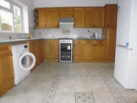 Newly Refurbished 4/5 Bedroom House to let on Abercairn road - Close to Streatham Common Station