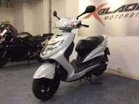Yamaha Cygnus X 125cc Automatic Scooter, White, 1 Owner, Good Condition, ** Finance Available **