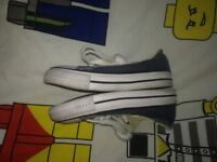 Kids blue converse all star trainers size 6. V good condition. Pet and smoke free home