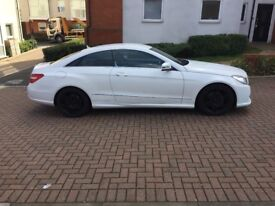 MERCEDES E220 COUPE WITH BLACK TRIMMINGS, SERVICE HISTORY, SAT NAV!!!