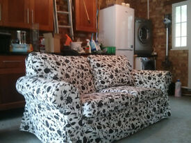 Settee with washable loose covers