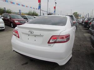 2011 Toyota Camry SE   LEATHER   ROOF   HEATED SEATS   1OWNER London Ontario image 7