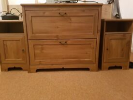 Deep draws and 2 x bedside cabinets