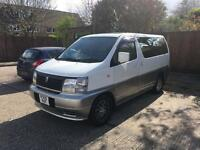 Nissan Elgrand Caravan (1997)