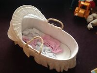 Moses basket, mattress, 4 fitted sheets.