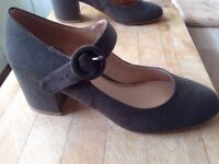 New Shoes (Head over Heels by Dune)