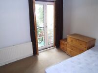 In 1st Floor Flat Double Room Share Kitchen BathShower Includes Bills VeryNearTubeBusShopsPark