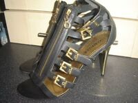 Moda in Pelle black leather strappy shoes size 6