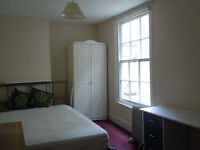 Oxford City center Single room with double bed available in a VERY central location