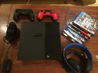 Sony Playstation 4 barely used, 2 Joystick, Joystick Charger Bay, PS Wireless Headphones, 6 games