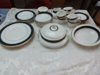 BILTMORE ROYAL DOULTON DINNER SERVICE AND TEA SET H5189