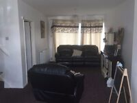 STUNNING THREE BEDROOM HOUSE WITH GARAGE... located on Woodbridge Close in the Leagrave area