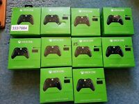 XBOX ONE CONTROLLERS / PLAY & CHARGE - FAULTY/SPARES AND REPAIRS JOB LOT