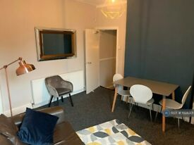 3 bedroom flat in Ramilies Road, Liverpool, L18 (3 bed) (#1028301)