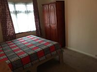 SHMP PROPERTY OFFERED VERY NICE DOUBLE ROOM IN THREE BEDROOM HOUSE NEAR UPNEY STATION