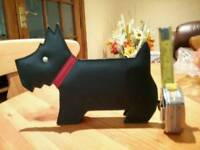 Radley dog display