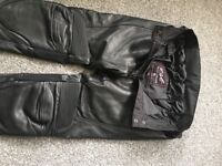 LADIES RST LEATHER MOTORBIKE TROUSERS £60.00 Ono