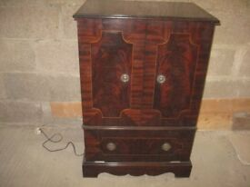 REPRODUCTION TELEVISION CABINET
