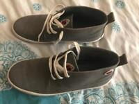 DUFFER CANVAS BOOTS - Size 9