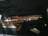 Beautiful Jupiter 500 alto sax with case
