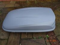 Car and Van Roof Box - Large and Lockable