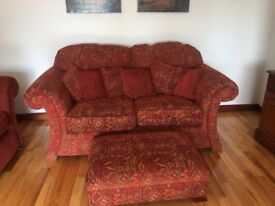 3-2-1 suite & matching footstool as good as new. Hargly ever used