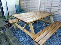 Picnic bench table
