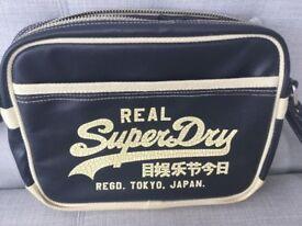 SUPERDRY UNISEX SATCHEL ALUMNI MESSENGER BAG, SHOULDER STRAP, BLUE & CREAM, WOMENS HANDBAG