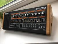 Roland JP-08 Boutique Synthesizer