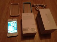 iphone 4s, 8GB, white, on O2 ( tesco and giffgaff), fully working order, very good cosmetically