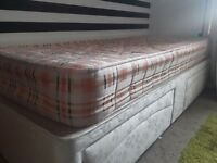 Songle bed with mattress