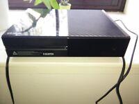 Xbox One 500GB (Black) + 5 Games