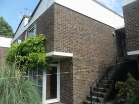 Large ground floor part furnished studio flat located just off the Woodstock Rd North Oxford