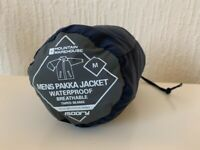 Men's navy blue pakka waterproof jacket, size medium