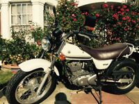 125cc Suzuki motorbike - looks and rides great