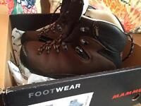 Mammut Ladies size 6 Hillwalking boots