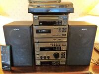 Sony Mini Hi-Fi Stacking System MHC-2200 in exceptional condition.