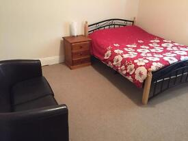 Large double room £375pm