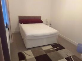 Houseshare - Double Room in modern build house, includes parking, close to M1 and Sheffield Centre