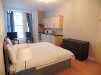 LOVELY STUDIO FOR SINGLE / COUPLES / FRIENDS~~POSSIBILITY TO SPLIT THE BED~ALL BILLS INC~WIFI~