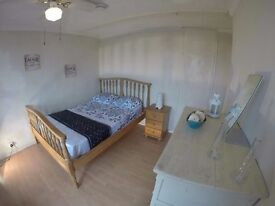 RENTING FROM ABROAD? : SKYPE VIEWING AVAILABLE # DEPOSIT £400 : PRICES FROM 120pw