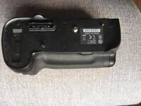 Nikon MB-D12 power grip
