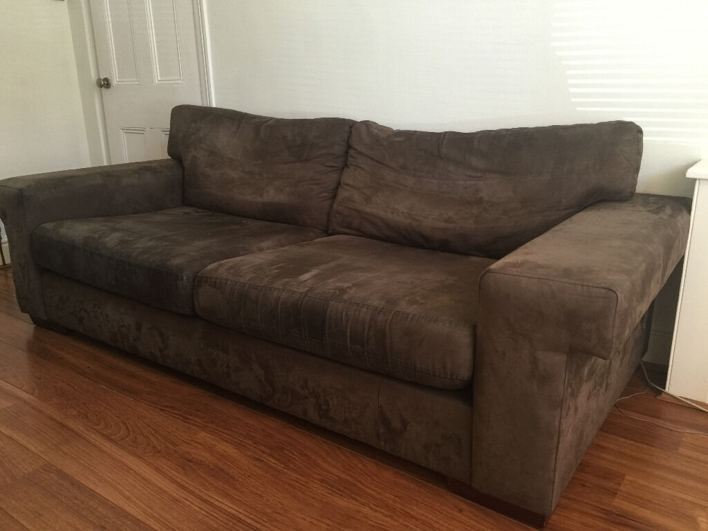 Exceptionnel 3 Seater Suede Sofa And Matching Armchair, Wooden Feet, Very Good Condition  For Sale