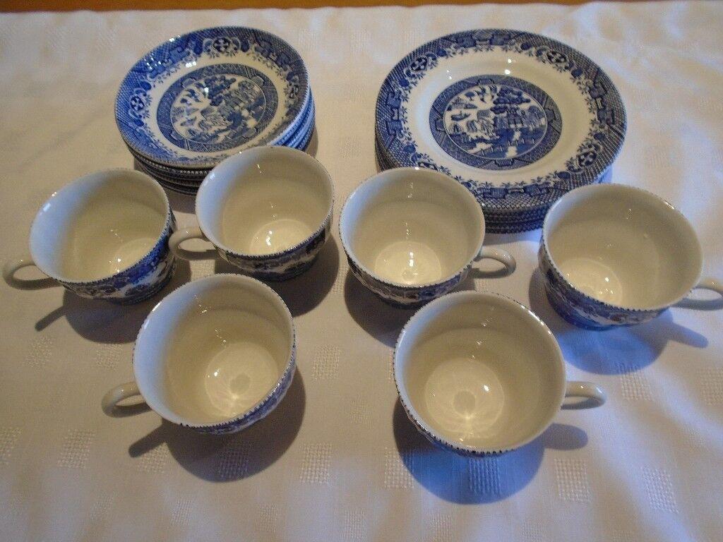 BARRATTS of Staffordshire England Willow pattern blue u0026 white 18 piece tea set & BARRATTS of Staffordshire England Willow pattern blue u0026 white 18 ...