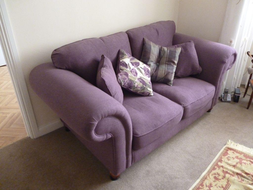 Superbe Lexington 2 Seater Sofa In Lilac.