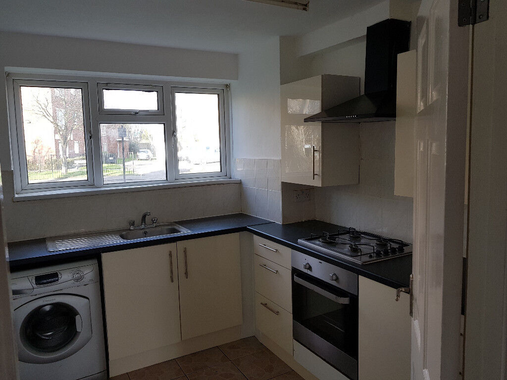 2 DOUBLE BEDROOM / BED FLAT TO RENT IN LEYTON EAST LONDON   PRIVATE  LANDLORD