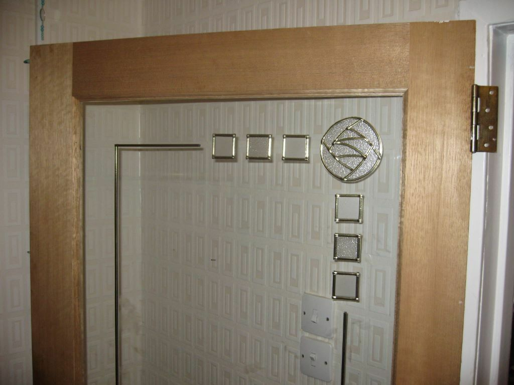 2 internal hardwood doors with toughened glass and Rennie Mackintosh leaded design. & 2 internal hardwood doors with toughened glass and Rennie Mackintosh ...