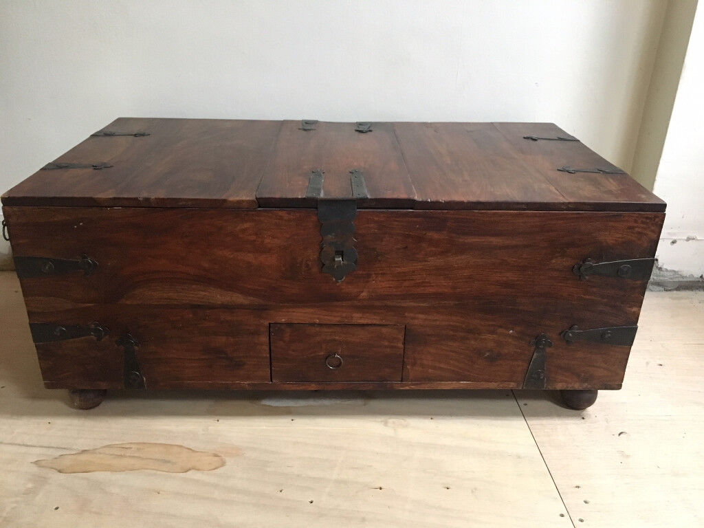 Superieur William Sheppee Solid Wood Colonial Style Thakat Bar Box / Coffee Table