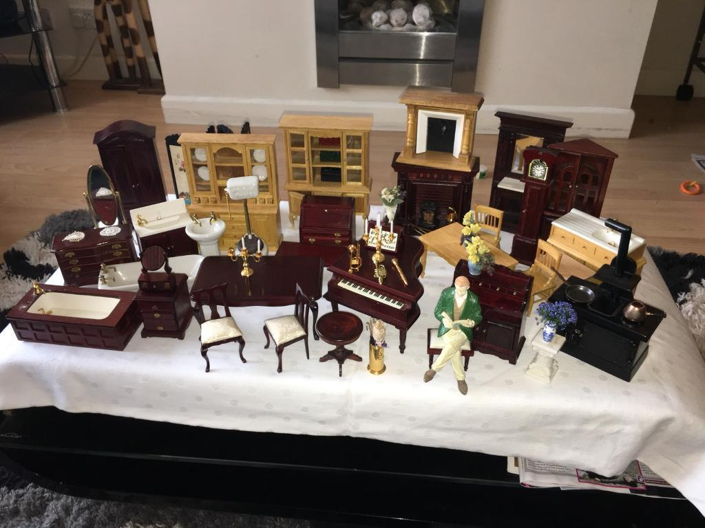 Collectors Dolls House Furniture