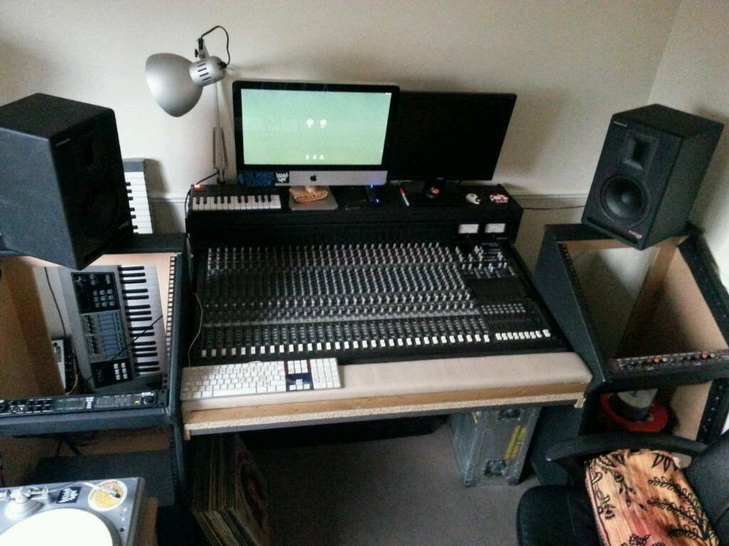Beau Mackie 32 8 Mixing Desk And Furniture.